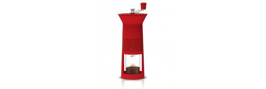 Ruční mlýnky na kávu Bialetti s praktickou ryskou na nádobce